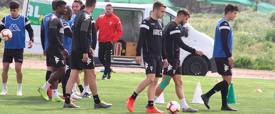 Los blanquiverdes quieren redimirse con su afición ante el Zaragoza