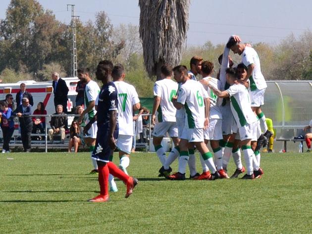 El Córdoba B aguanta la presión en la jornada perfecta