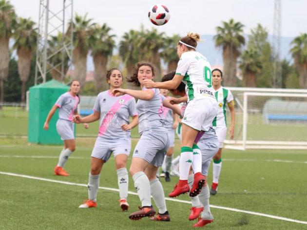 Una imagen del duelo entre Córdoba y Pozoalbense en la Ciudad Deportiva