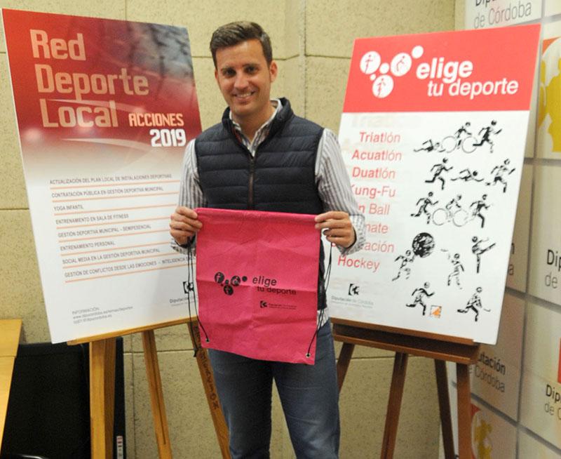 Martín Torralbo presentando el program Elige tu deporte