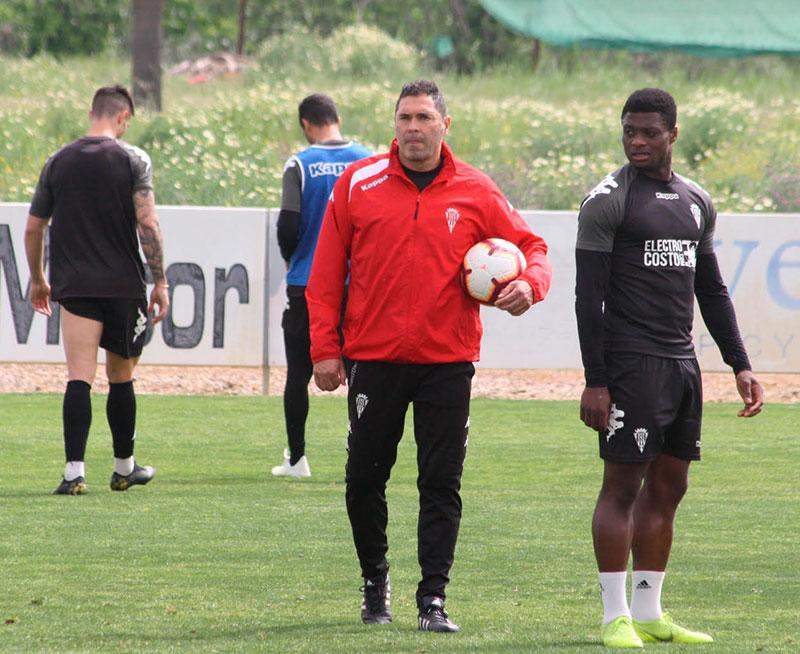 Neftali en un entrenamiento con el Córdoba CF. Autor: Paco Jiménez