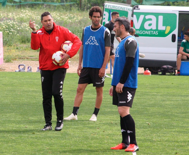 Piovaccari se cae de los planes de Rafa Navarro