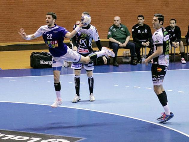 Rudovic y Chispi superados por un rival
