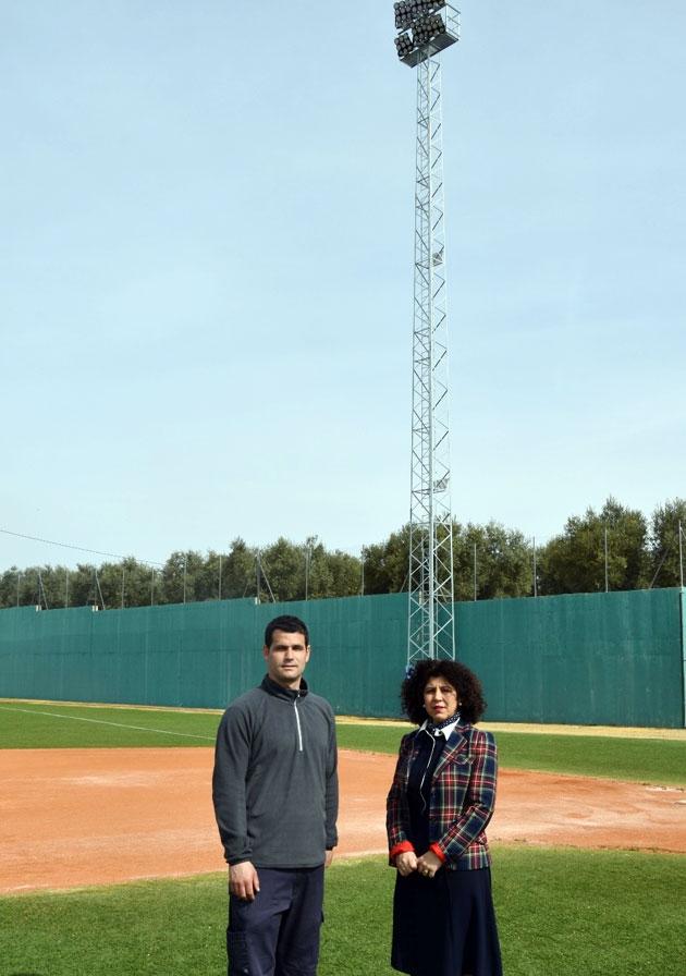 El Municipal de Béisbol de Benamejí ya tiene iluminación