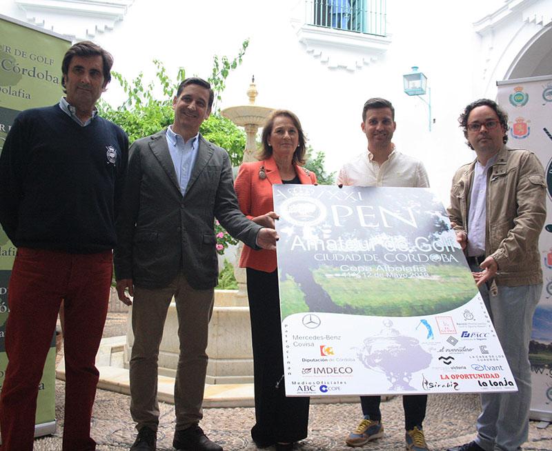 Representantes de las instituciones, organizadores y patrocinadores presentando el cartel de 2019 de la Copa Albolafia