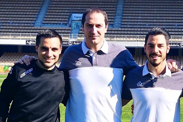 Diego Caro con sus ayudantes