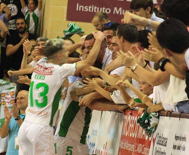 Los aficionados del Córdoba CF Futsal, un sostén para sus jugadores