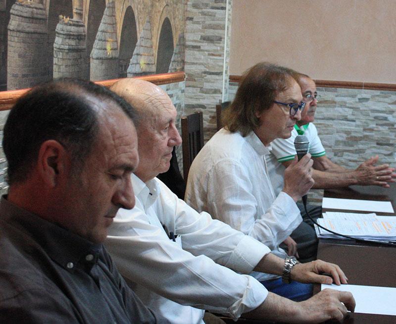 José María Córdoba, en el centro, el día de la reunión de cordobesistas con Saco y Perico Campos
