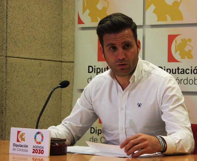 La Diputación hace los deberes pensando en el deporte y en los clubes