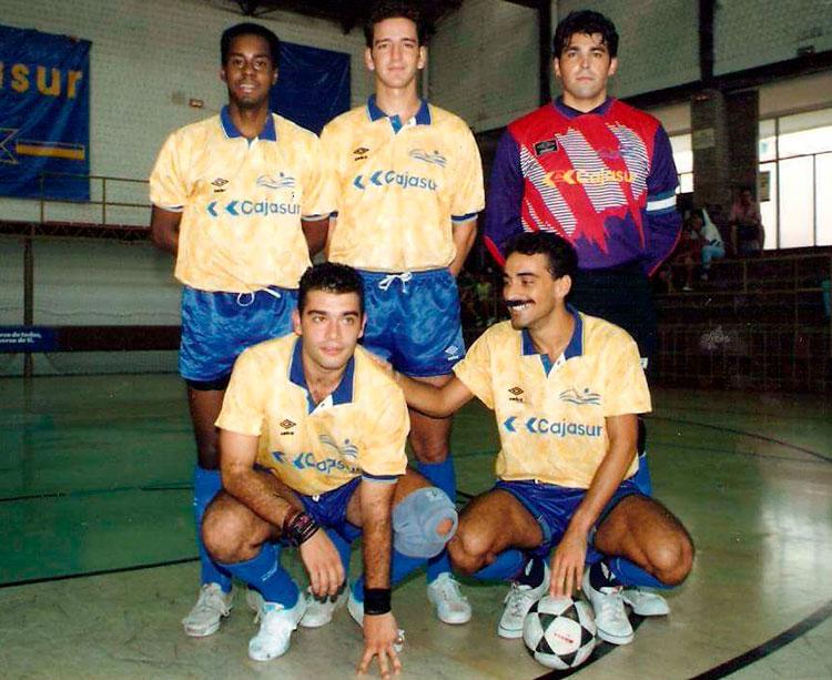 Arriba Nilton, David Torrecilla y Paco Saavedra, con Modelo y Silvyo Valladao abajo