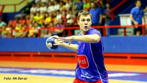 Mijatovic jugando con el RK Borac de Bania Luka