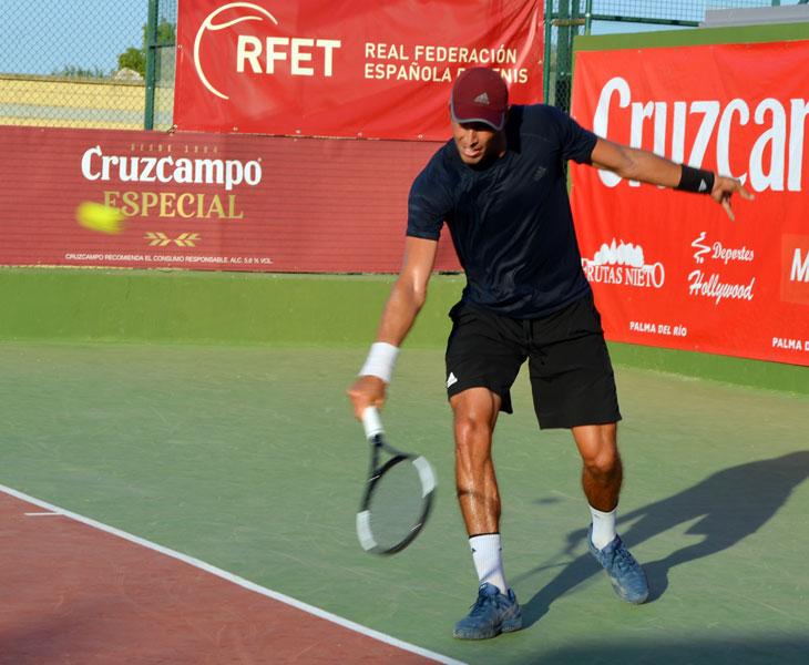 El colombiano Struvay protagonizó la primera sorpresa en el Open
