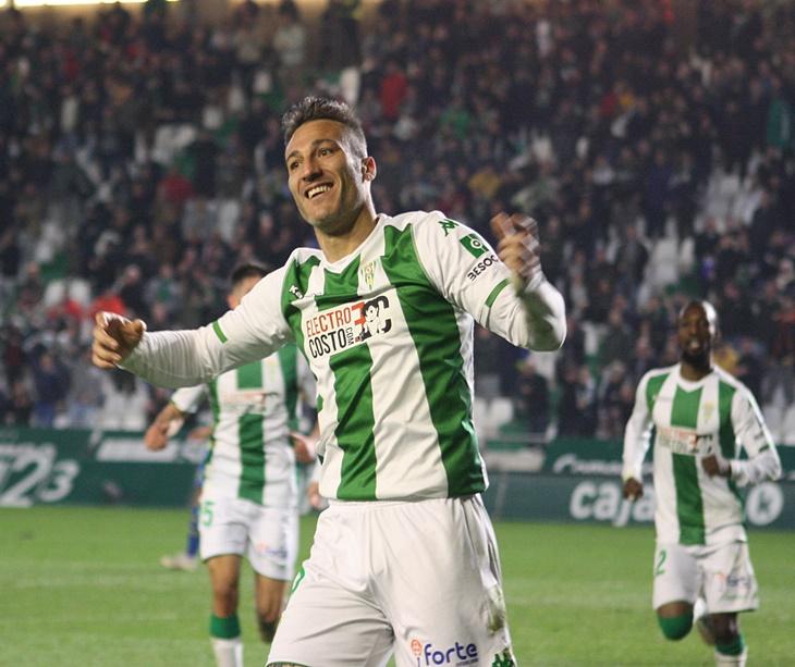Piovaccari celebrando uno de sus trece goles de la pasada temporada