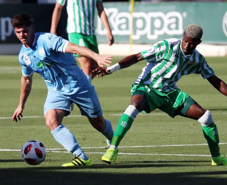 Ale Rivero en un partido con el Ciudad de Lucena