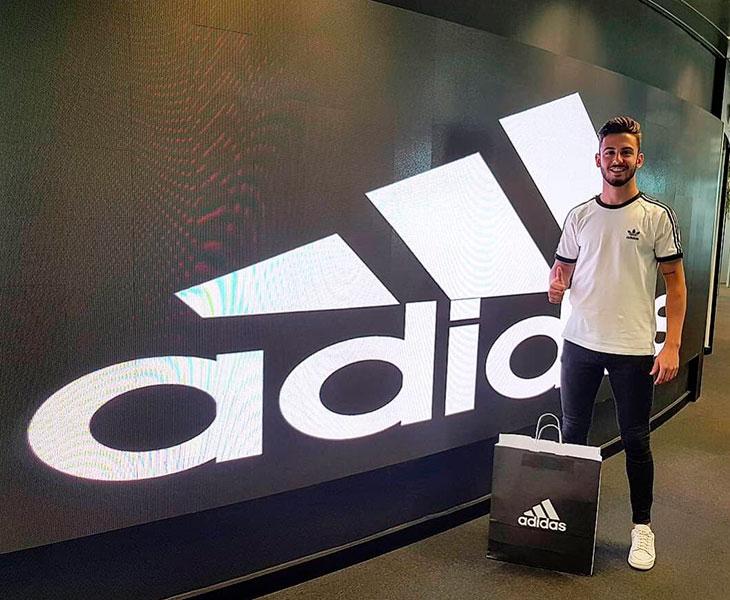 Andrés Martín se une a Adidas y cerca está del Rayo Vallecano