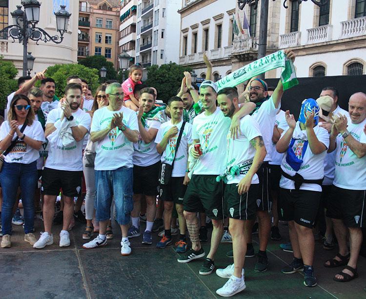 Los jugadores del Córdoba CF Futsal en Las Tendillas