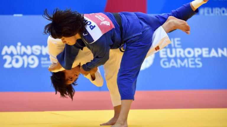 Julia Figueroa, de blanco, en el duelo por el bronce con la portuguesa Catarina Costa