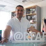 Pablo Lozano posando para la cámara de Cordobadeporte.com en la sede de la Cordobesa
