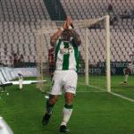 El italiano Federico Piovaccari pidiendo perdón al cordobesismo tras su último gol con la blanquiverde en El Arcángel ante Osasuna