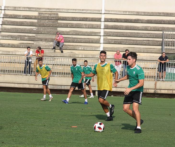 Ortuño en el tercer entrenamiento del Córdoba CF