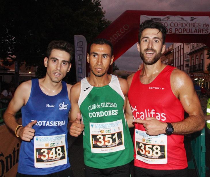 Los tres primeros clasificados de esta IX Carrera Nocturna de Alcolea