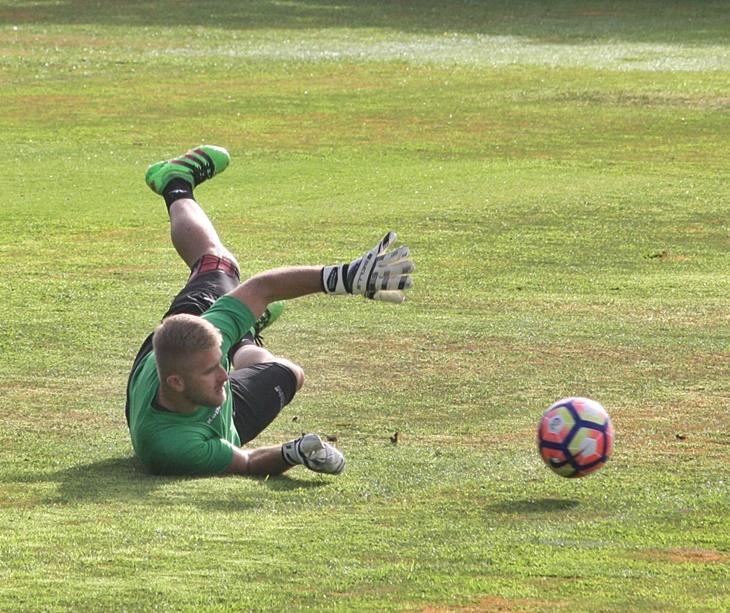 Kieszek esforzándose a fondo en un entrenamiento