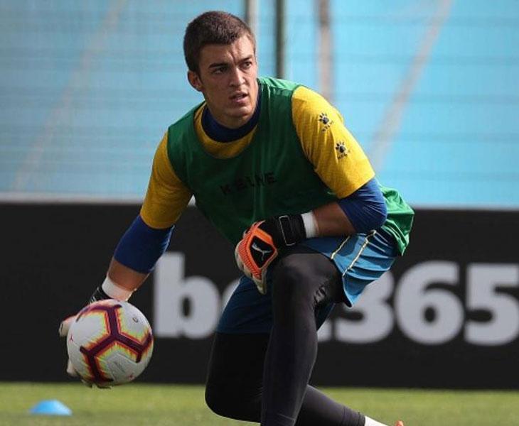 El meta Edu Frías en una sesión en la Ciudad Deportiva del Espanyol