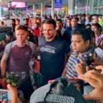 Así recibió la afición del Mohun Bagan a Fran González y Joseba Beitia a su llegada a la India