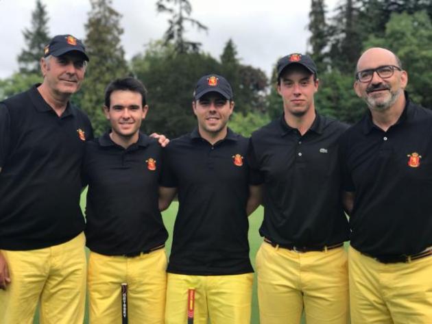 Víctor Pastor con sus compañeros de la selección española