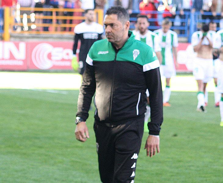 Rafa Navarro en un partido con el Córdoba