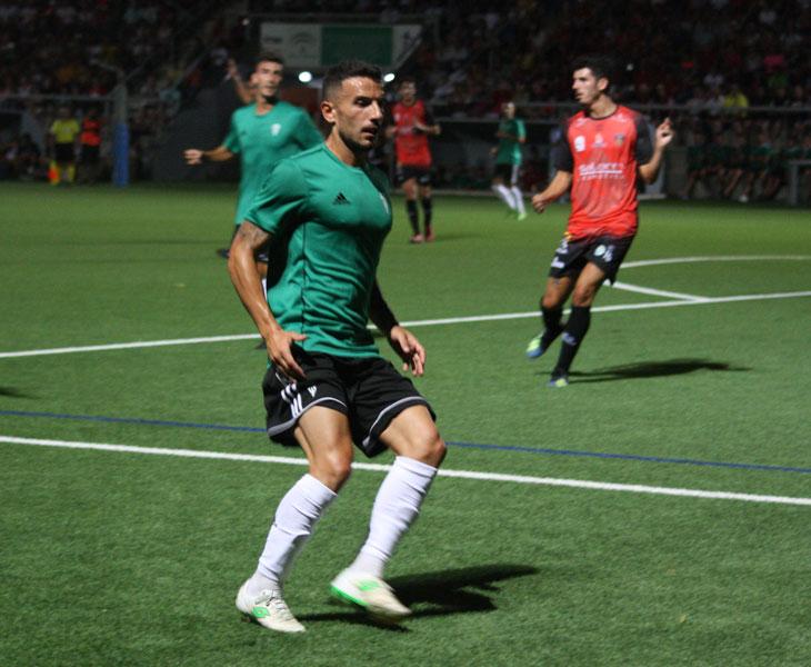 Fernández durante el partido de esta noche frente al Salerm