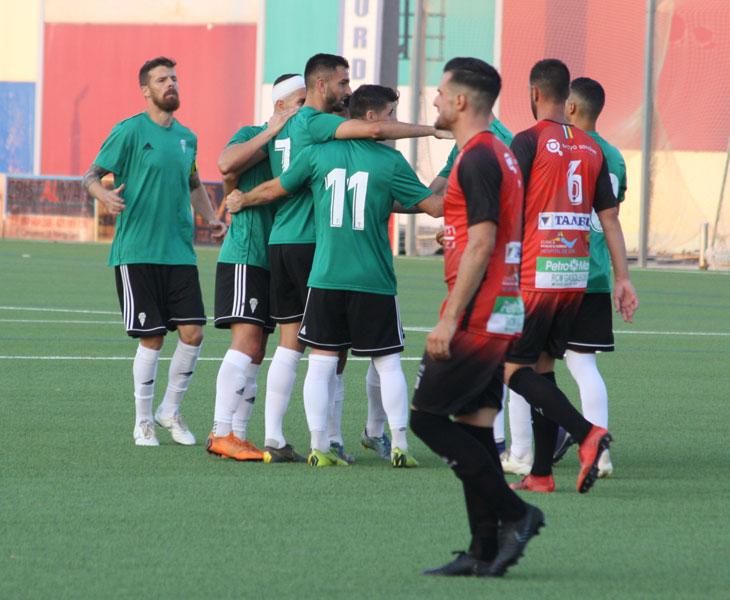 Los jugadores del Córdoba celebrando el tanto de José Antonio