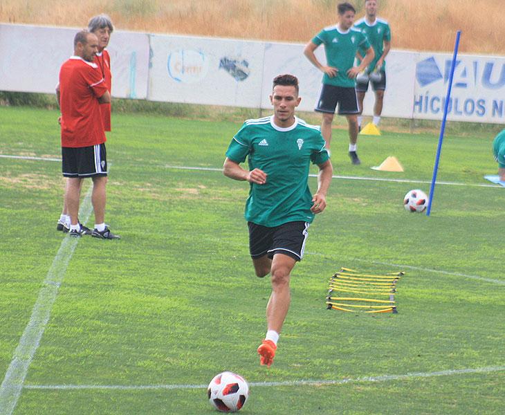Victor Mena ya no es del Córdoba CF