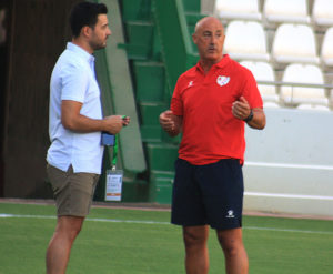 Fran Ruano hablando con Juan Luna Eslava el pasado sábado