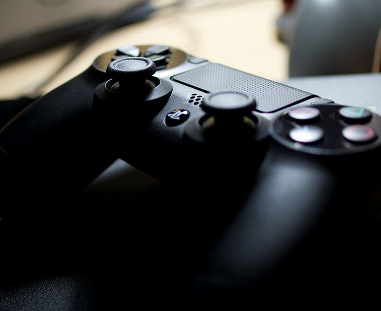 Uno de los mandos clásicos para jugar a los eSports
