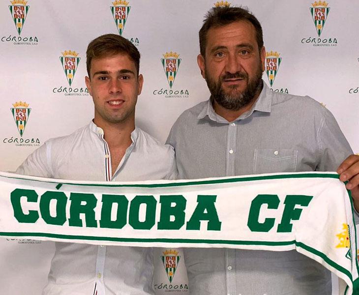 Manolete junto al coordinador de la cantera, Rafa Herrerías. Foto: Córdoba CF
