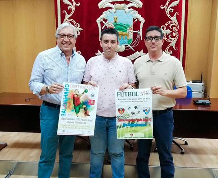 Mariano Jiménez junto al concejal de deportes del Ayuntamiento pontano, José Antonio Gómez, y Francis Cabeza, mandatario del Salerm Cosmetics