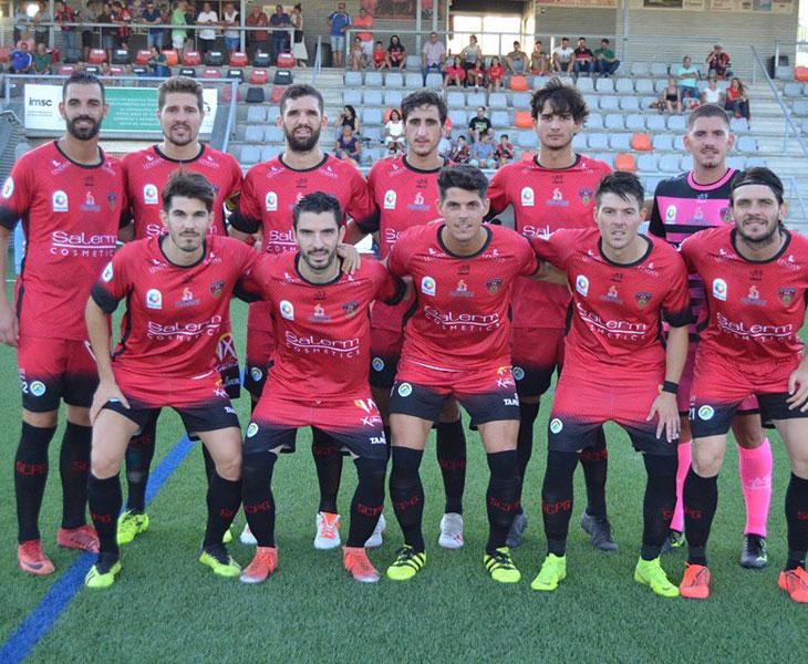 El once del equipo de Puente Genil en uno de sus partidos. Foto: Tino Navas / @SalermPG