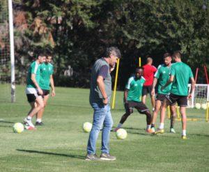 El director deportivo, Alfonso Serrano, presente en el entrenamiento del Córdoba CF. Autor: Paco Jiménez