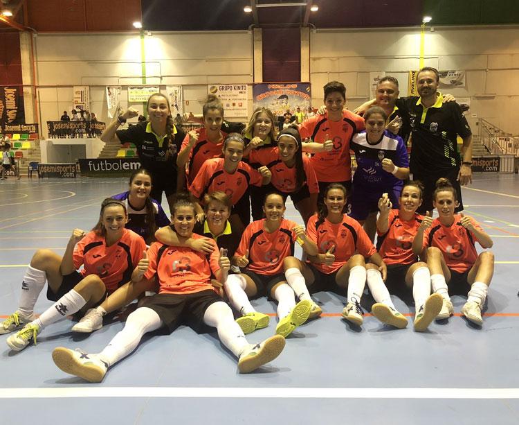 Las chicas del Cajasur Deportivo celebrando su clasificación en Villanueva de Tapia