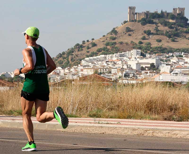 El Castillo de Almodóvar, mudo testigo del esfuerzo de los atletas. Autor: Paco Jiménez