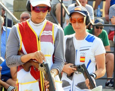 Fátima Gálvez, a la derecha, en una competición de 2019. Foto: ISSF