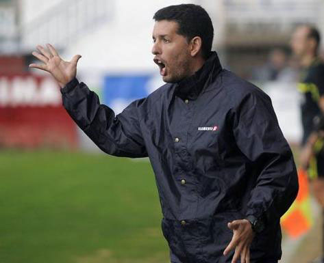 Héctor Sandroni, preparador del Yeclano. Foto: La Verdad