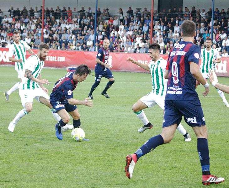 Una imagen del partido de la pasada temporada en La Constitución. Autor: Yeclasport / Inma Azorín