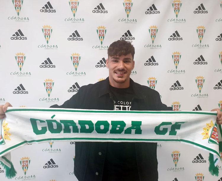 Jesús Cambil feliz tras su fichaje. Foto: Córdoba CF