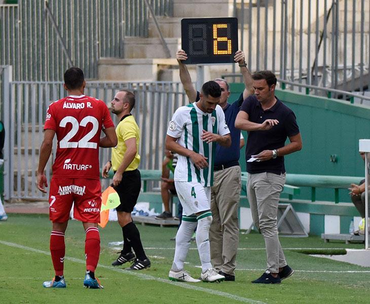 Víctor Ruiz en el momento de su sustitución ante el Real Murcia