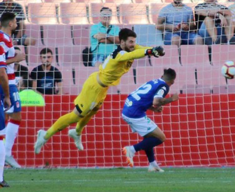 Carlos Abad en el partido del domingo ante el Málaga. Autor: Paco Jiménez.