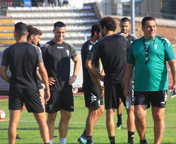Sandoval con sus hombres en El Fontanar. Foto: Diego Álvarez
