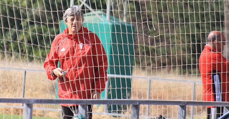 Enrique Martín el pasado lunes en su último entrenamiento con el Córdoba CF