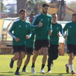 Sólo siete jugadores de la primera plantilla, más el meta el filial Llamas, se ejercitaron bajo las órdenes de Enrique Martín